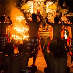 Junjungan, Indonesia 〜ウブドからバイクトリップ!村人総出のケチャ・ダンスを観に~
