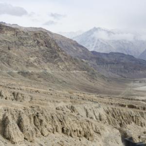Khardung La, India〜新婚旅行編・世界最高(5300m)の自動車峠カルドゥン・ラ〜