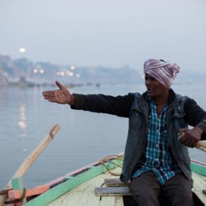 Varanasi-2, India〜新婚旅行編・歌うボートに揺られてグッドモーニング・バラナシ〜
