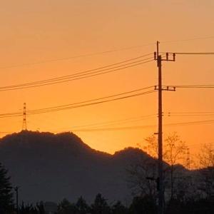 第2,863回(2020.12.1)朝焼けの空を眺めながら早朝散歩を楽しむ♪