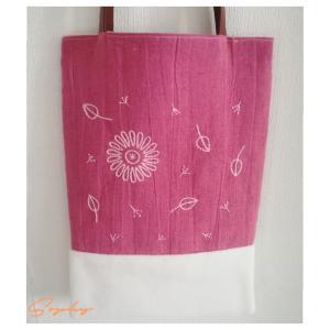 刺繍の手提げ袋