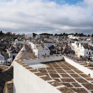 【イタリア】 とんがり屋根のメルヘン集落 アルベロベッロ