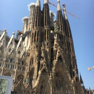 香港からスペインのバルセロナへ