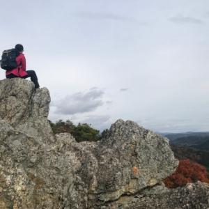 様々な岩場から眺望を望む 米田白山 東周りコース