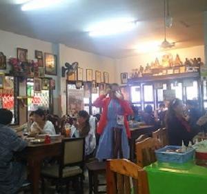 チェンマイ・カオソーイの名店「ラムドゥアン ファーハーム」でランチ