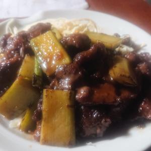 イノシシとウドの生姜焼き