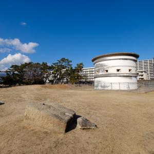 西宮砲台 : 外国船から大阪湾を守るために幕府が築いた砲台が現存。