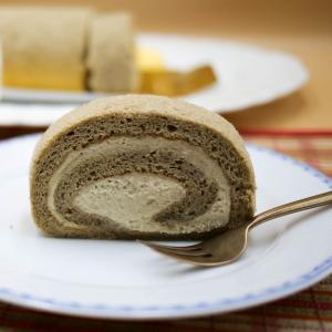 スポンジからクリームまで「そば粉」が散りばめられた「ロールケーキ」は100%グルテンフリーでした!!