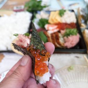 お家で「手巻き寿司」が手軽に美味しくいただけ、満足すること請け合いです!!