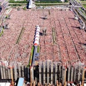 【画像】22年前のGLAYの20万人ライブwwwww