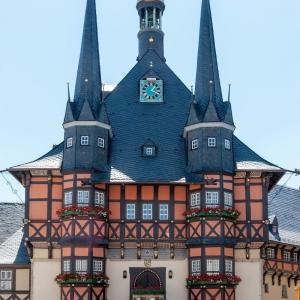 世界の都市当てクイズ その 45の解答 「この美しい市庁舎がある街とは?」