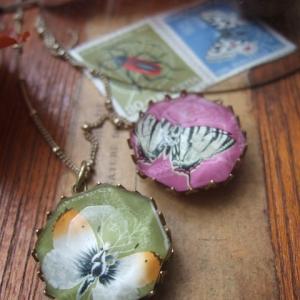 蝶の切手 ネックレス