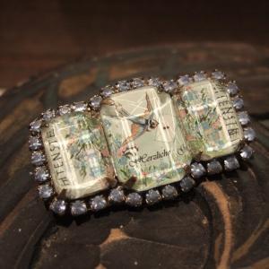 贅沢なブローチ/手紙を運ぶつばめの切手