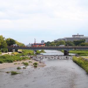 ゆく河の流れは絶えずして