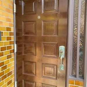 玄関のドアを自分で塗り替えてみた