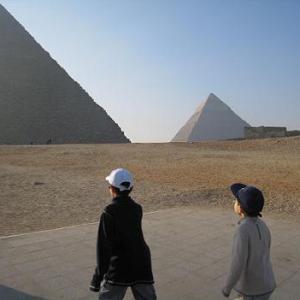 【エジプト】ギザの3大ピラミッドへ
