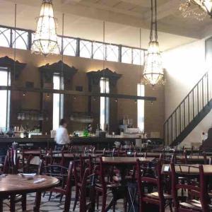 「君の名は。」にも登場するカフェレストラン、行くなら平日ランチがお得です。(カフェ ラ・ボエム 新宿御苑 (La Boheme)@新宿御苑)