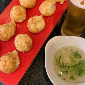 山椒の白醤油煮が入った明石焼き「有馬焼」、ピリッと山椒が美味でこれはお酒が進みます。(有馬十八番@有馬温泉)
