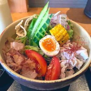 フォトジェニックな期間限定そば「10種のサラダそば」を頂いた。(つけ蕎麦安土 高田馬場本店 (あづち) @高田馬場)
