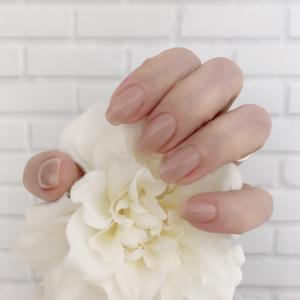 手がきれいに見えるマニキュアの色。手の老けって気になりません?