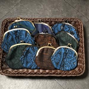 大島紬のがま口がいっぱい