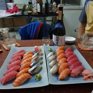 すずめ会の寿司