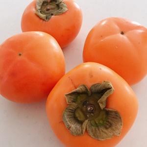 秋の味覚 おけさ柿