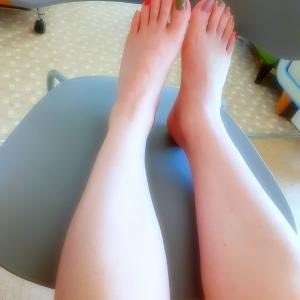 ...今日の朝イチ~Mixペディ~脚爪先。.