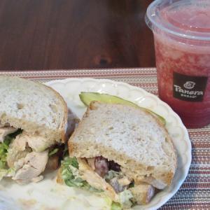Panera Bread のサンドイッチ&スムージー🎵