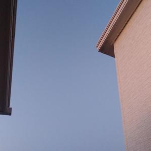 朝5:27の空