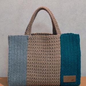LiLi nana*さんの紙袋風バッグ