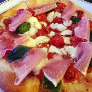 蜷川 実花さんっぽい雰囲気のピザを見て思うこと。