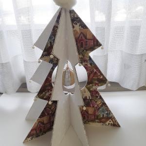 一足早く!クリスマスツリーを☆