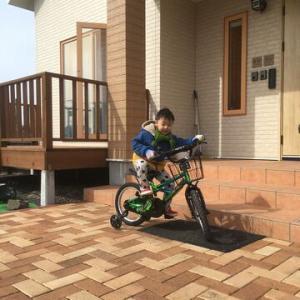 自転車に乗る男☆