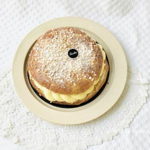 トロペジエンヌをワンホール注文 パリのクリームパンです