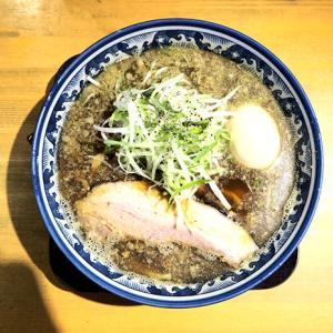 高槻の有名煮干ラーメンのお店 麺屋 八海山さん。