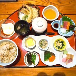 高槻で京ごはんを楽しめるお店 京ごはんとろばた焼きのお店 京月さんで彩膳ランチ。