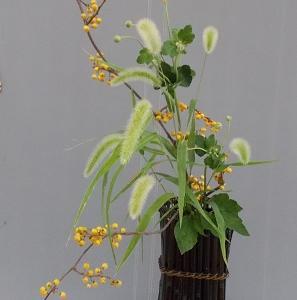 立透かし花籠