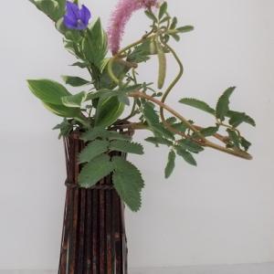 唐糸草で立透かし花籠
