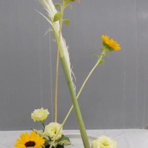 1日と同じ花材で花奏 3