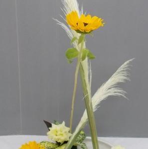 1日と同じ花材で花奏 4