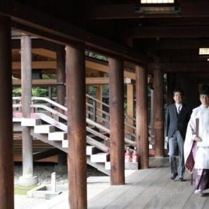 【中国人の反応】速報!!辞職したばかりの安倍が靖国神社に参拝!!