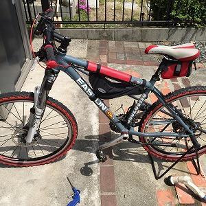 自転車のハンドルグリップ交換