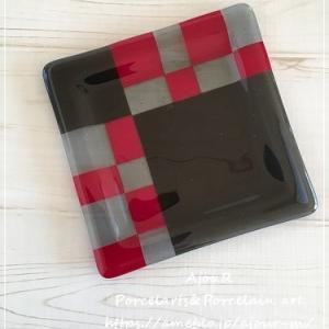 ガラスフュージング課題作品☆石畳のお皿