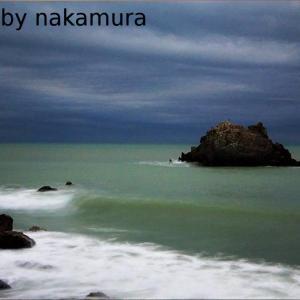 エメラルドグリーンに染まったロングビーチの海
