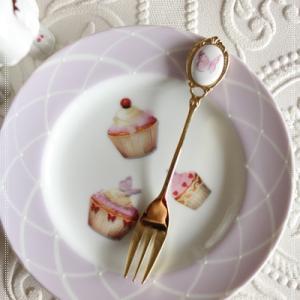 格子柄のケーキ皿