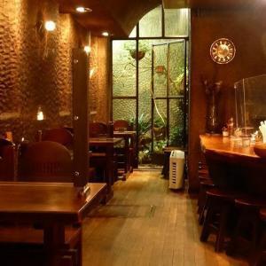 いざ、穴ぐらの喫茶店に♪ ランチは吉祥寺の喫茶店「くぐつ草」で♪