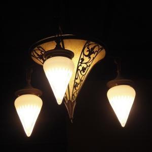 5つのステンドグラスが語るもの♪ 豊島区立鈴木信太郎記念館♪