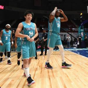 武蔵野東ラグビー部OBの活躍 <海外でバスケットボール>