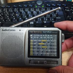 キャンプで使う新しいラジオを買いました。